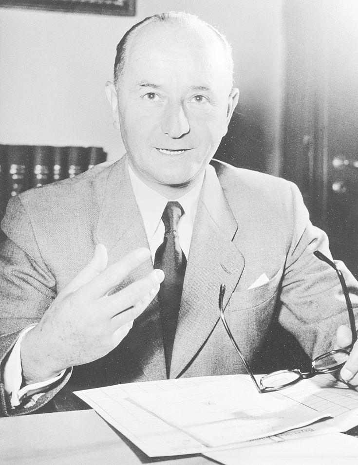 Unter Hanns-Seidels Vorsitz erneuerte sich die CSU ab 1955 personell und organisatorisch