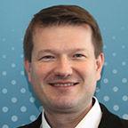 A prágai székhelyű Közép-Európa Projekt regionális vezetője és reprezentánsa: Martin Kastler