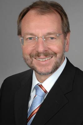 Dr. Peter Witterauf, ügyvezető igazgató